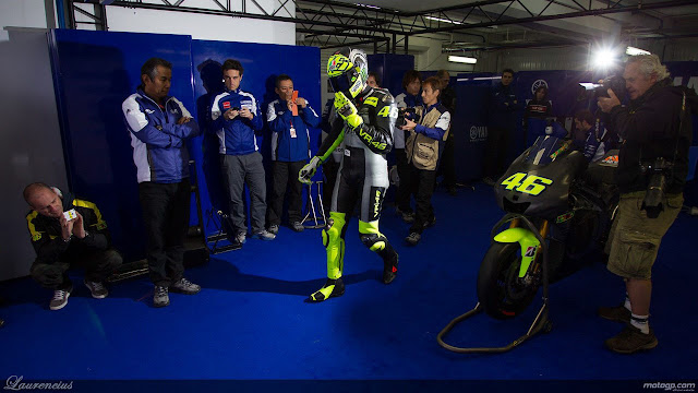 Foto-Yamaha-YZR-M1-Valentino-Rossi_1