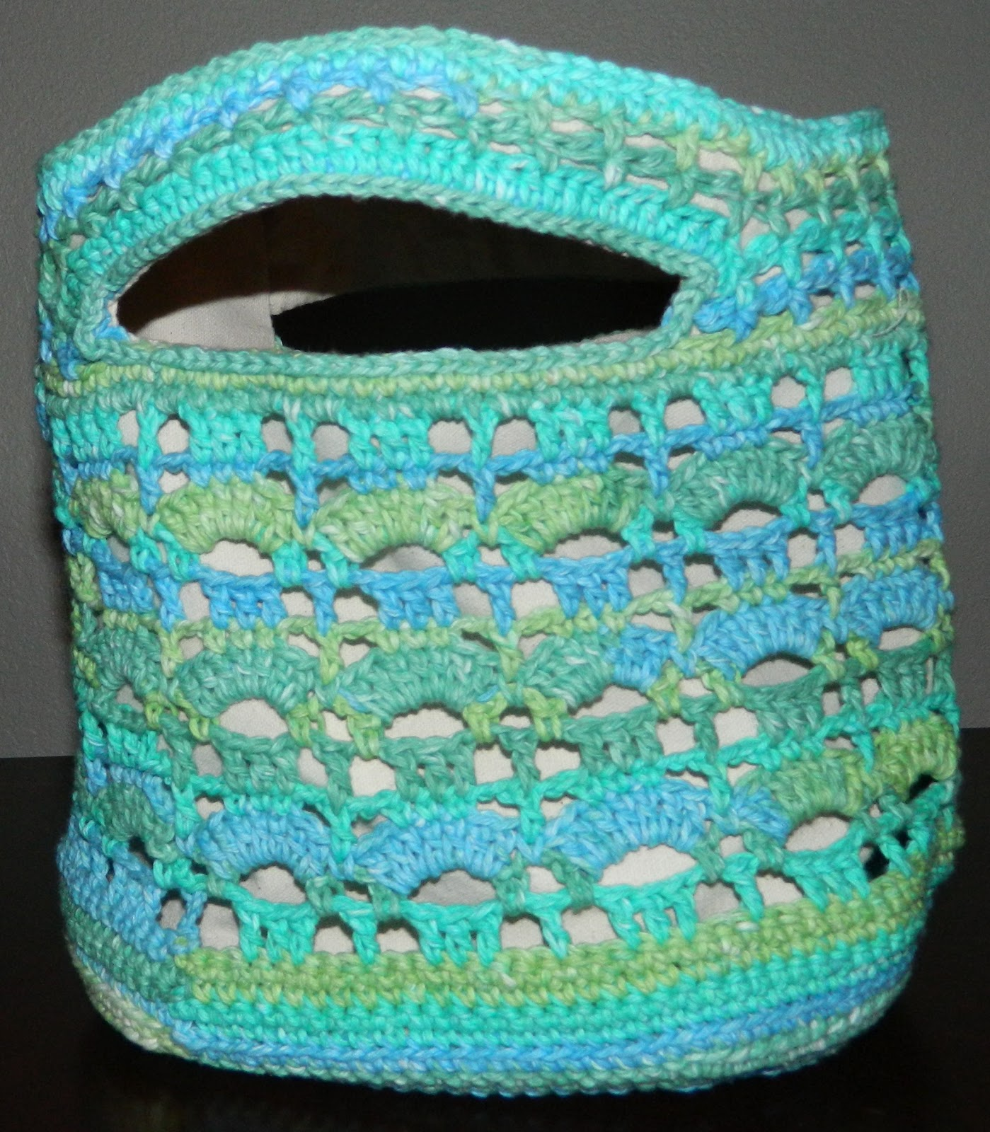Lining Crochet Bag : lauras frayed knot: Crocheted Beach Bag Lining Instructions
