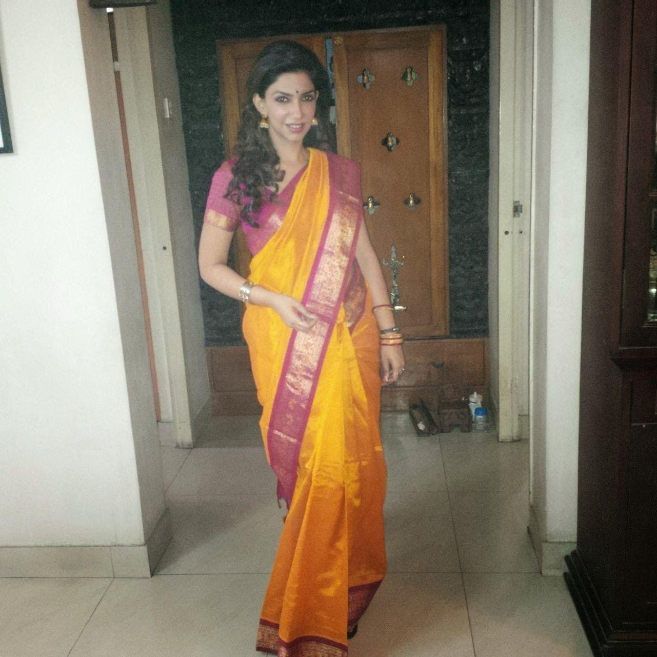 Bhavana Vijay Tv Anchor Kb Jpeg Tamil Serial Actress