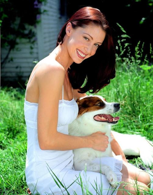Shannon Elizabeth Wiki