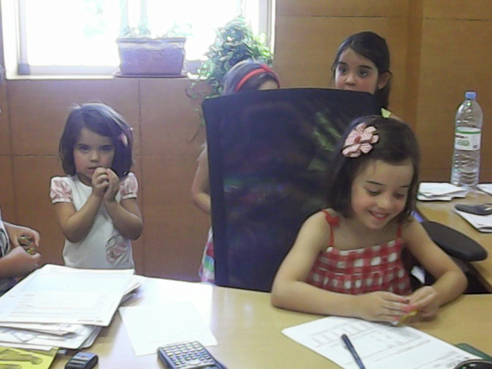 Escuela de verano montefr o 2014 visita caja rural de granada for Caja rural granada oficinas