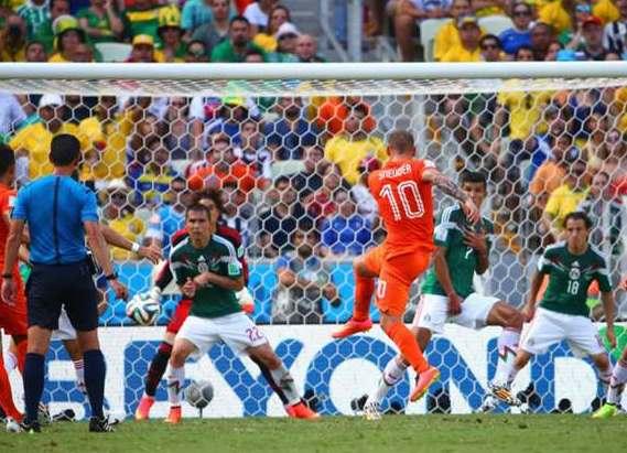 gambar laporan hasil pertandingan belanda vs. mexico di piala dunia brasil 2014