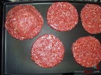 Hamburguesa Juicy Lucy-asando la carne