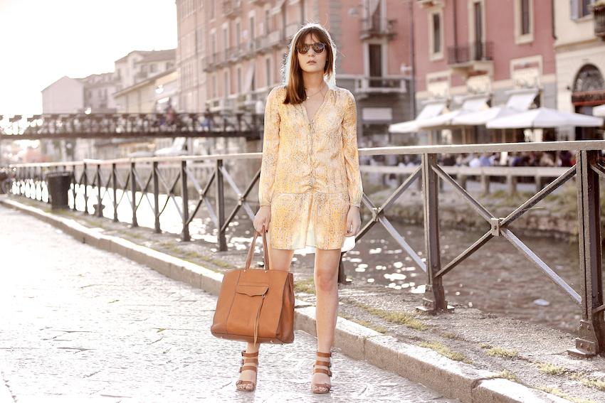 scarf print yellow zara dress and rebecca minkoff mab tote bag in brown leather - irene buffa milano