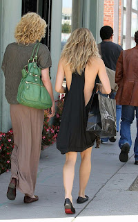 Annalynne+McCord+Shopping+in+Venice+back.jpg
