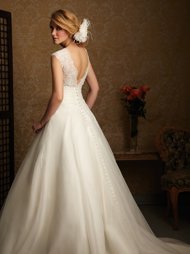 trends lace wedding dresses