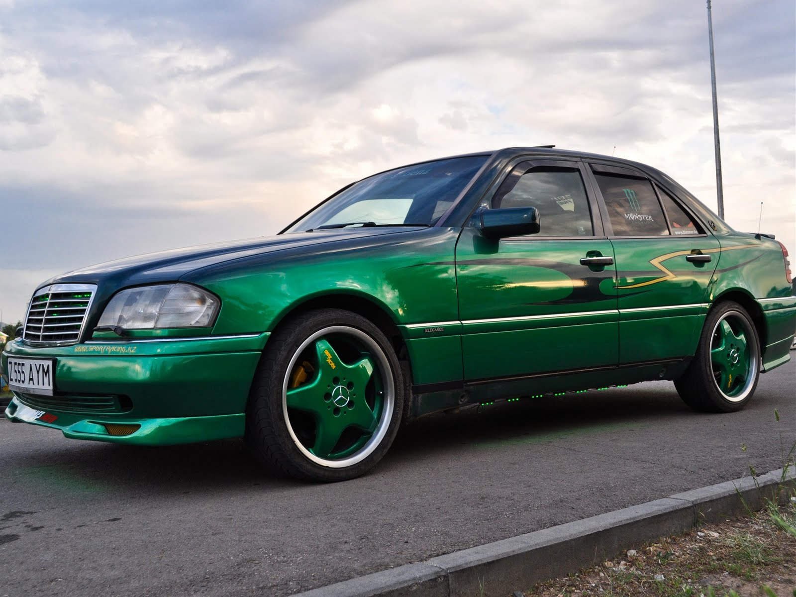 mercedes benz w202 green kick ass benztuning. Black Bedroom Furniture Sets. Home Design Ideas