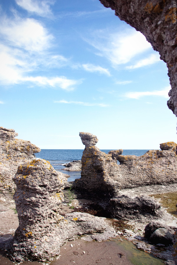 aliciasivert, alicia sivertsson, alicia sivert, gotland, semesterlivet, semester, landet, raukar, ö, hav, natur, ocean, sea, island, rocks, nature, sea stack