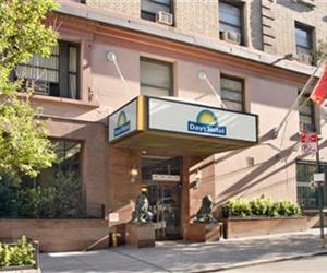 good cheap hotels in new york days inn hotel new york. Black Bedroom Furniture Sets. Home Design Ideas