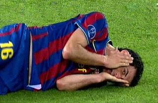 Sergio Busquets, jugador del F.C. Barcelona, haciendo una de sus representaciones como Maestro del Teatro.