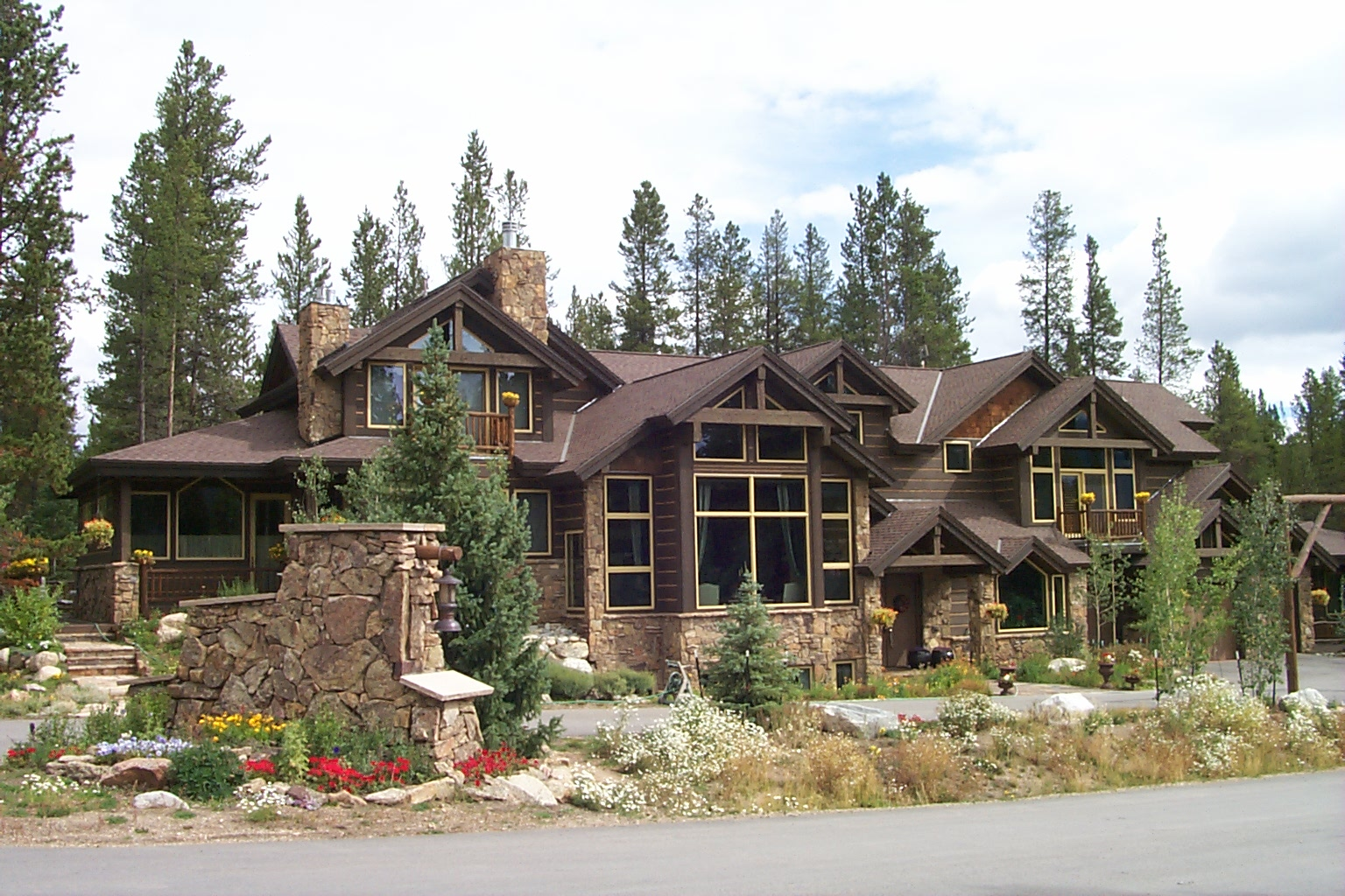 Article hoard use colorado vacation rentals in both for Winter cabin rentals colorado