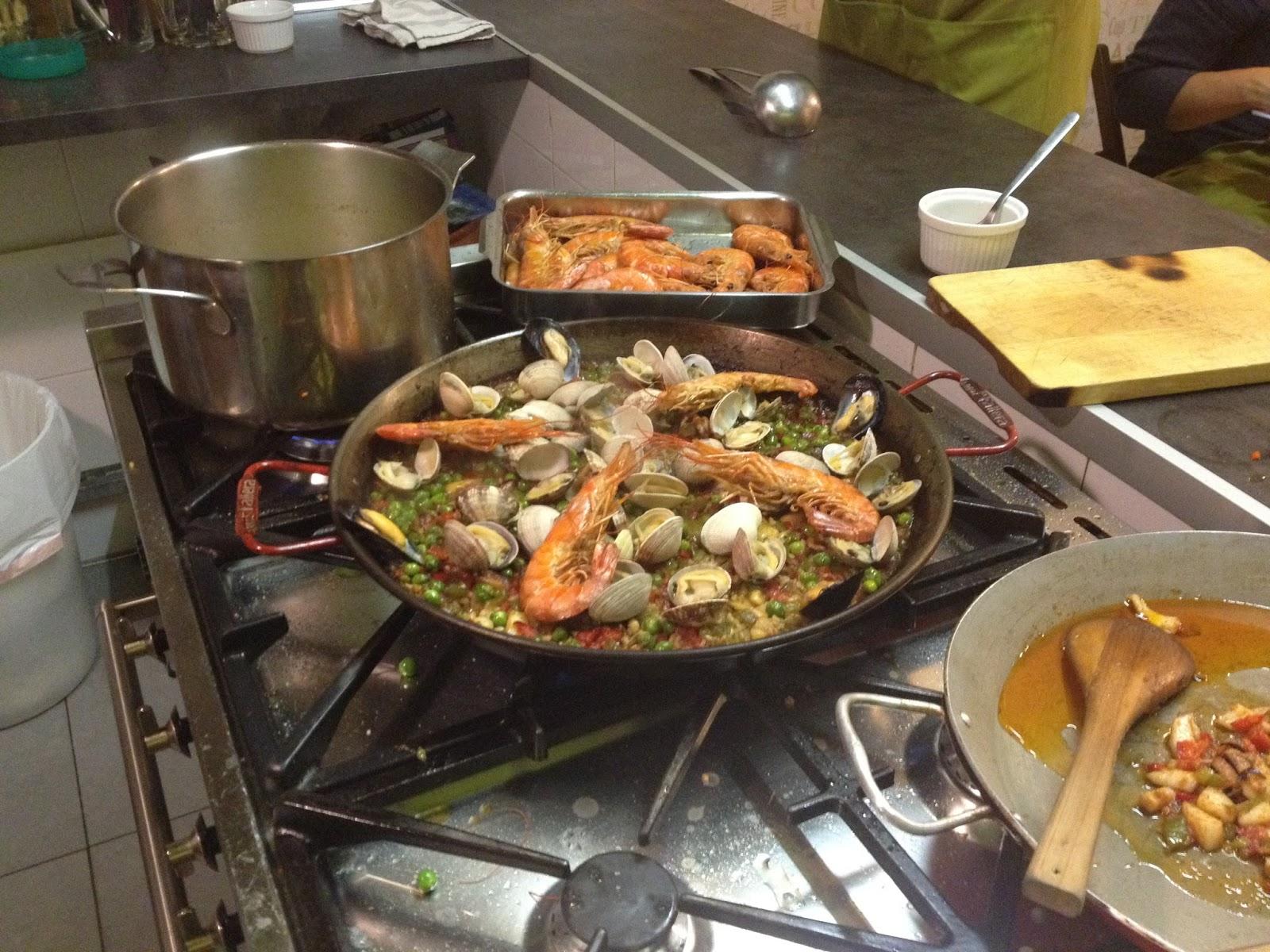 Paella marinera curso aula gastronomica recetas de cocina - Cocina con sara paella ...