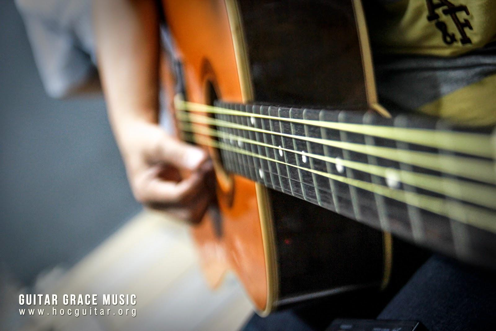 học đàn guitar cơ bản