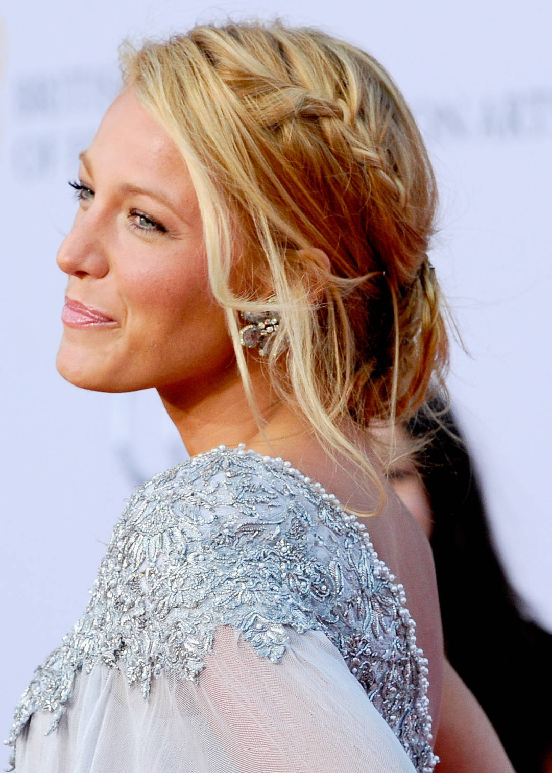 Blake Lively Romantic Wavy Hairstyles Hairstyles And Fashion