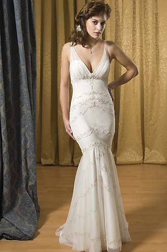Jewelry designs elegant wedding dresses for Simple elegant wedding dress designers