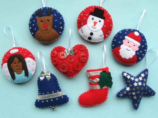 http://bugsandfishes.blogspot.co.uk/2015/10/felt-christmas-baubles-for-creativity.html