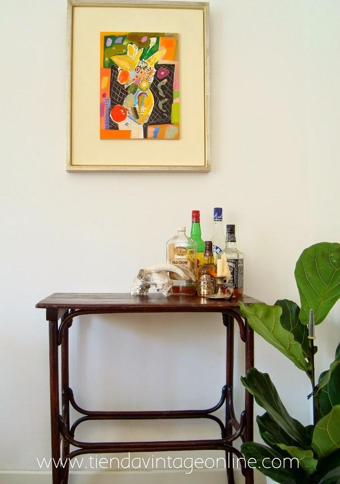 Mesa auxiliar antigua Thonet en valencia. Muebles de madera online.