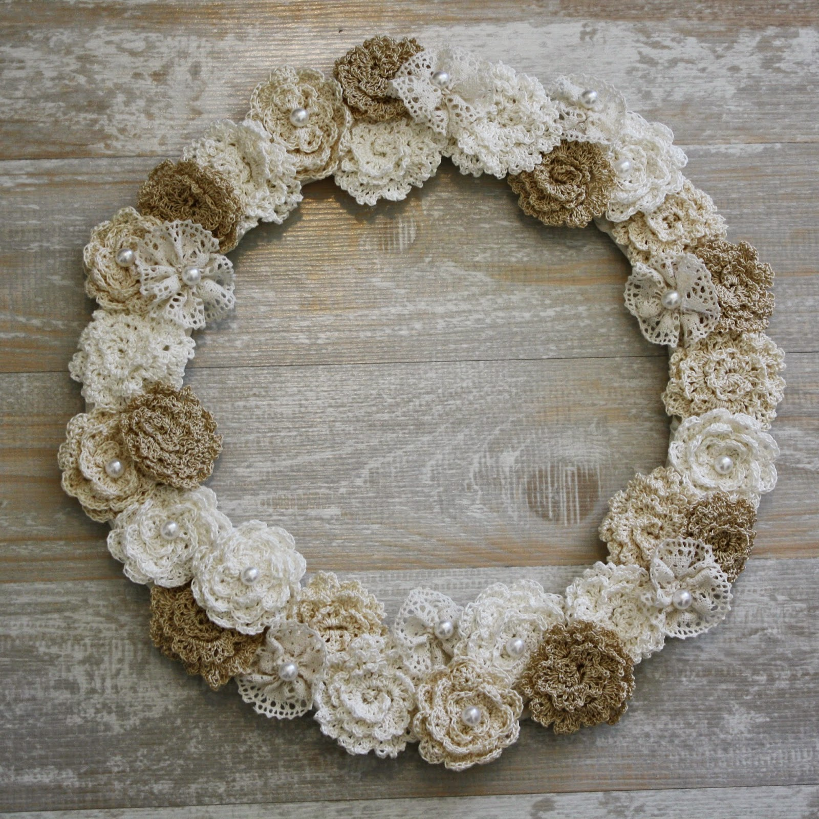 http://little-miss-stitcher.blogspot.com/2015/02/diy-lace-and-crochet-flower-wreath.html