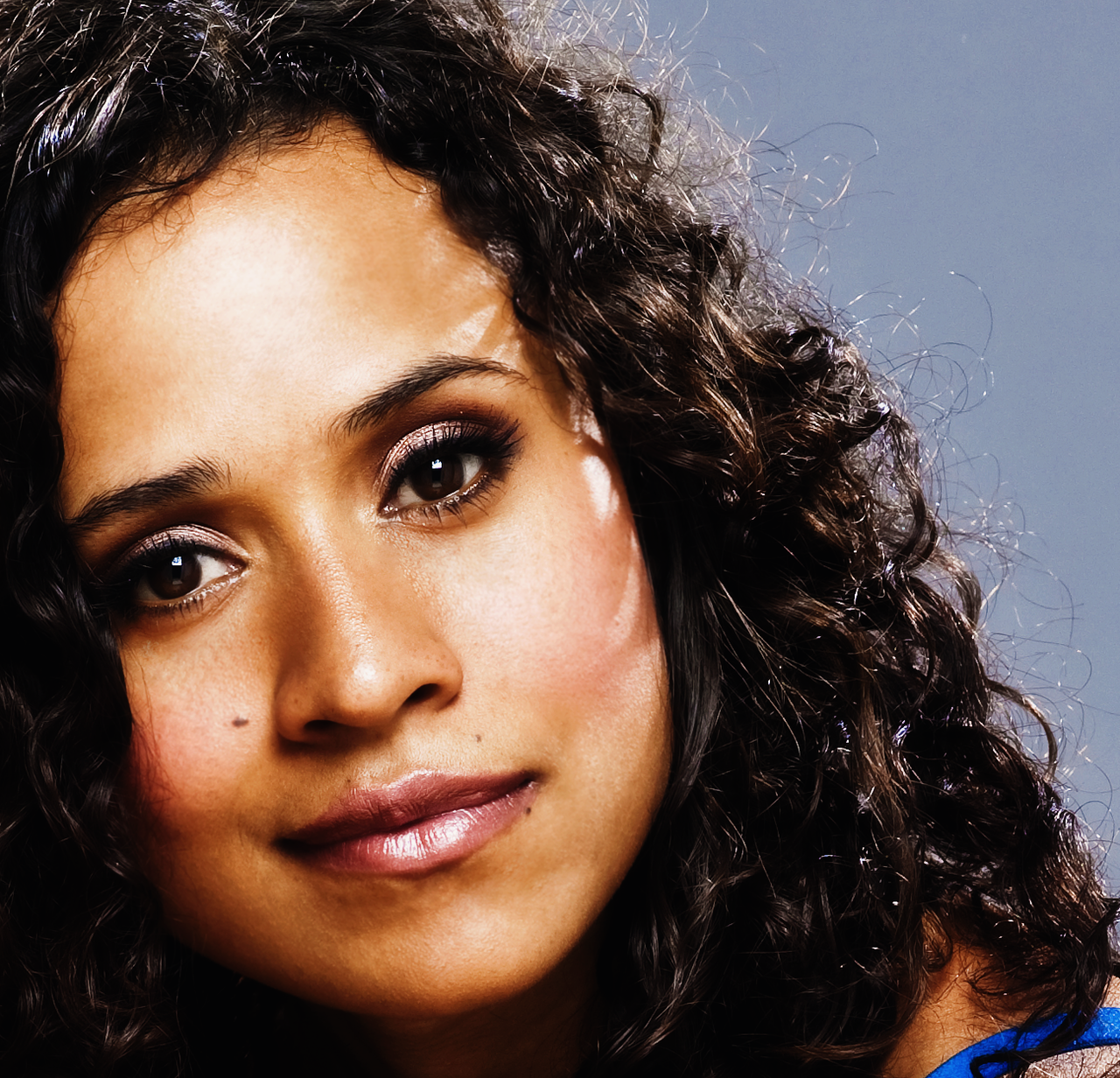 angel coulby 2016