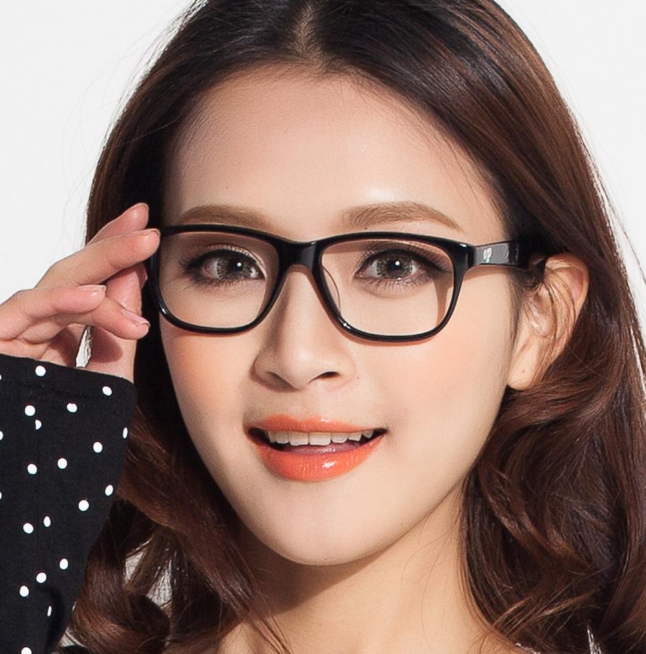 Hasil gambar untuk orang dengan kacamata