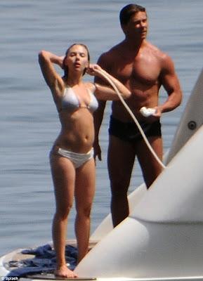 scarlett johansson duchandose en bikini