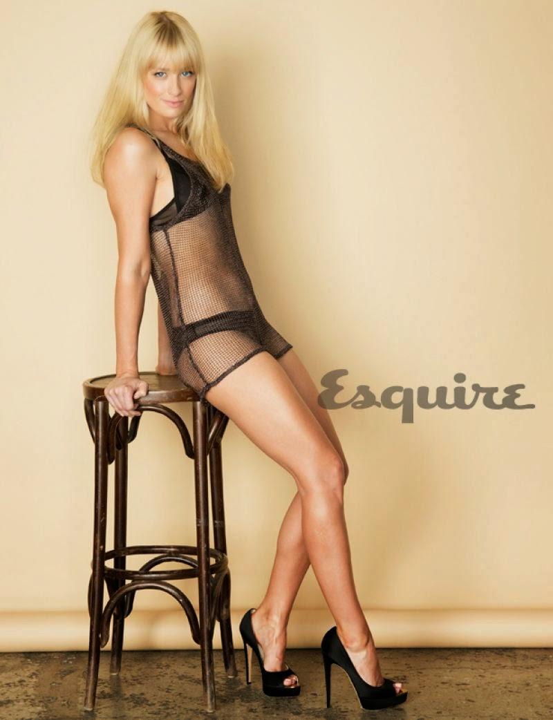 Beth Behrs has sexy legs