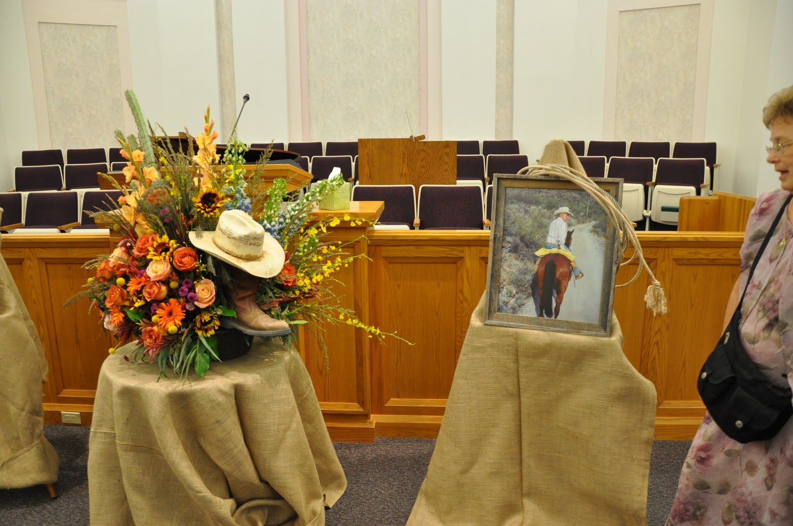 Displaying 20 gt images for funeral flowers for men