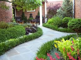Thiết kế sân vườn đẹp cho nhà phố
