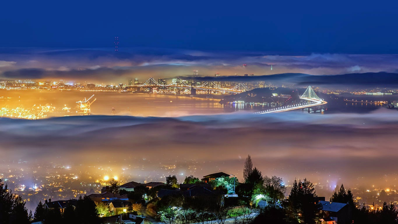 View from Grizzly Peak in the Berkeley Hills above Berkeley, California (© Toby Harriman/Tandem Still + Motion) 22