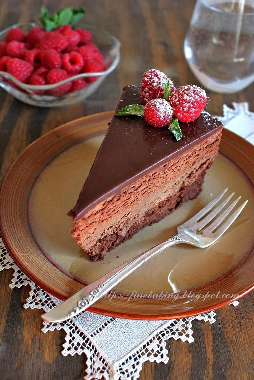 Chocolate dust: Quadruple Chocolate Mousse Cheesecake Cake