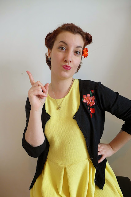 robe jaune pin up