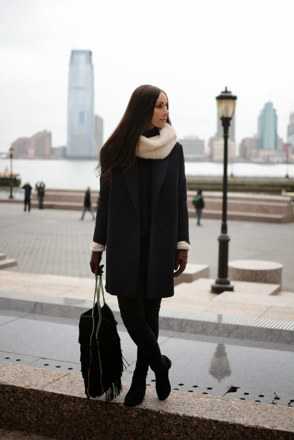LamourDeJuliette_Brooklyn_Bridge_Faux_Fur_Winter_Outfit_FashionBlog_003