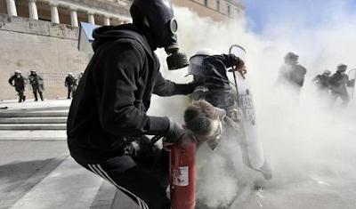 la proxima guerra disturbios punto de inflexion rebelion civil en grecia