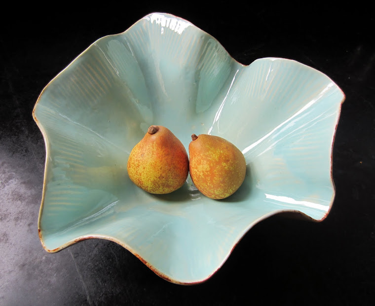 Blue Shell Bowl with 2 pears