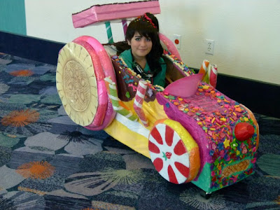 This girl went all out for her Vanellope von Schweetz, making her race