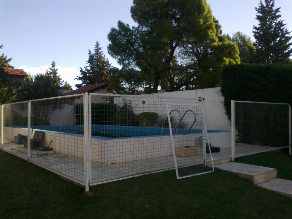Herreria y estructuras tito barandas seguridad piscinas y for Piscina sainz de baranda
