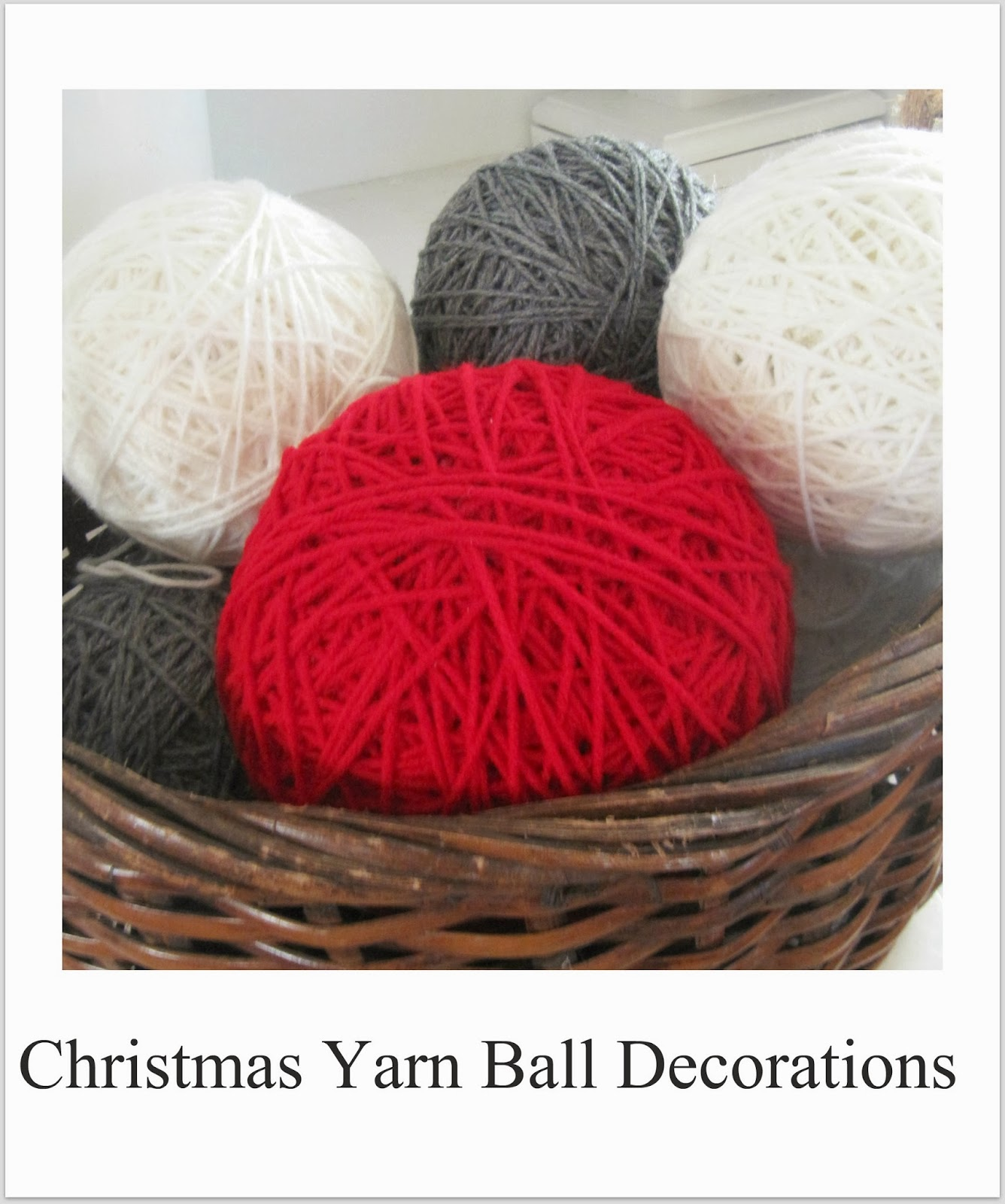 http://thewickerhouse.blogspot.com/2011/12/yarn-decorations.html