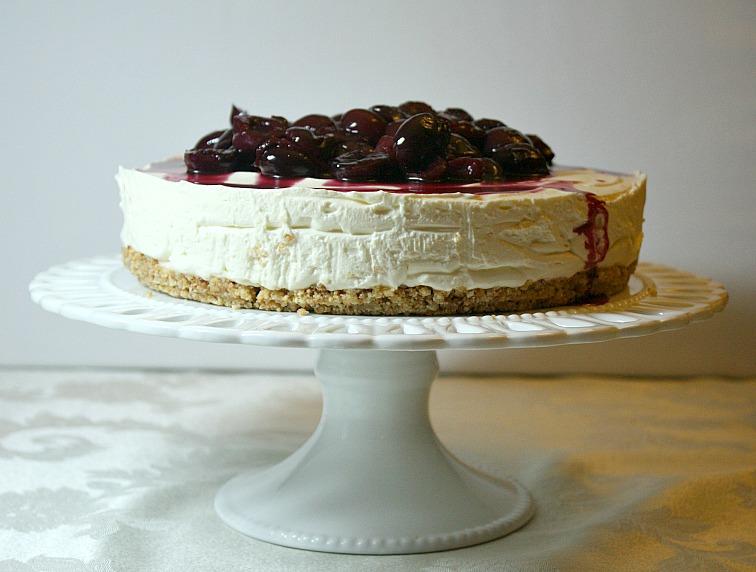 Vanilla Clouds and Lemon Drops: Cherry & Amaretto Cheesecake