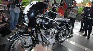 BMW motorku, Dollar-kupun banyak