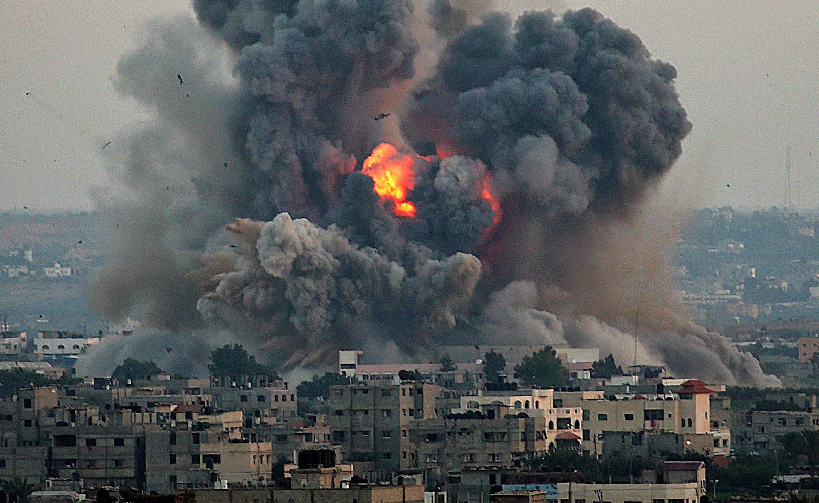http://imgchili.net/show/53128/53128209_gaza_attacks.jpg