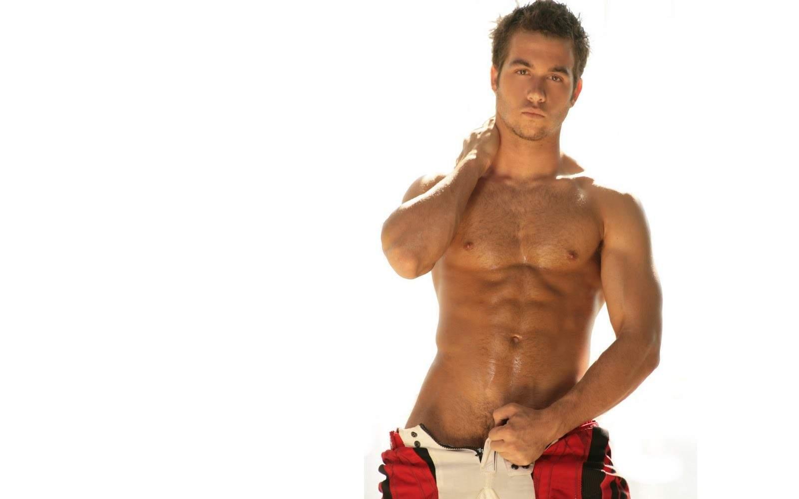 gay escort udine uomo nudo gay