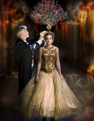 Some Models Dress Women: Alexander MCqueen Dresses Show