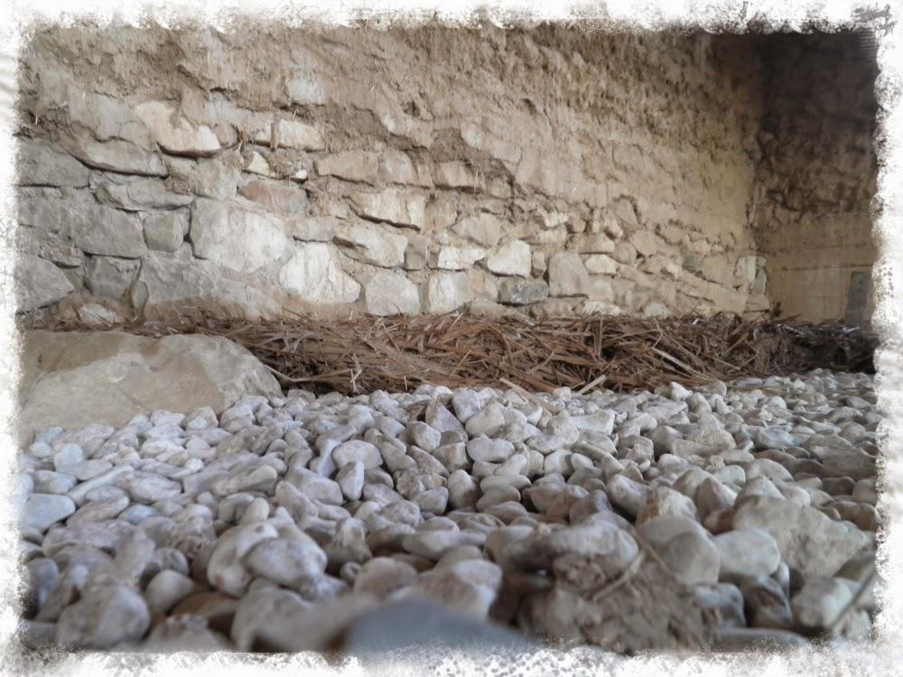 sobre esta capa aislante pondr otra de unos cm de mortero de cal hidrulica me haban comentado que este suelo poda ceder si pongo demasiado peso