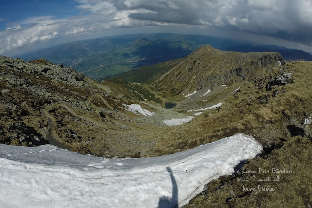 pietrosul-rodnei-peak-hike-descent-path