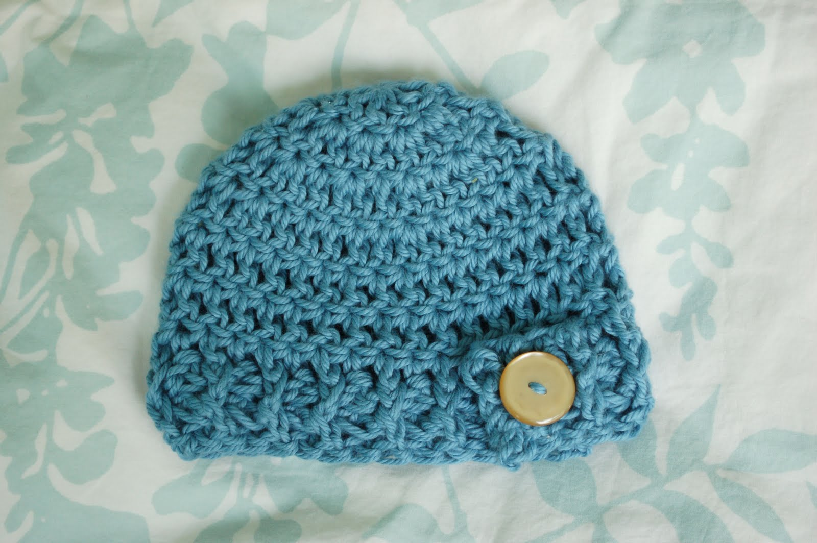Free Patterns Crochet Beanies : Alli Crafts: Free Pattern: Button Flap Beanie - Newborn