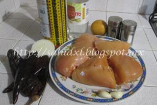 ingredientes_pollo_guajillo_salud_xl