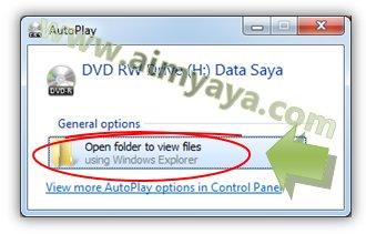 Gambar: Melihat CD/DVD dengan windows explorer