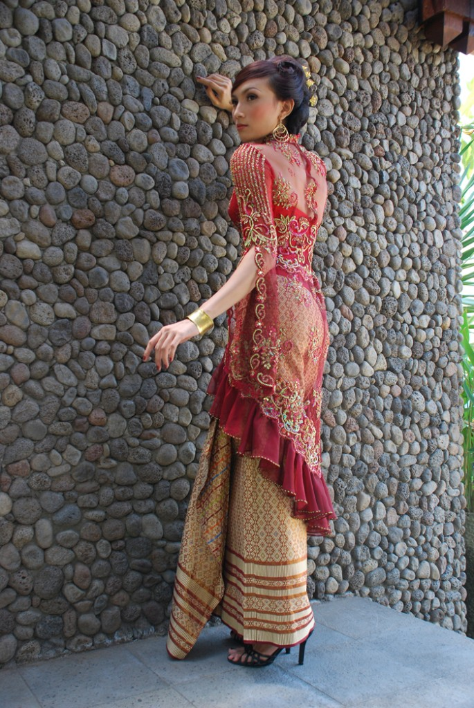 Asian Fashion And Style Clothes In 2012 Batik Indonesia Fashion And Style Clothes 2012