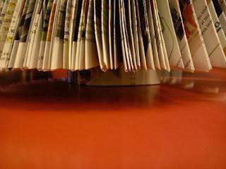 Arbol de Navidad con Revista, Manualidades Baratas y Faciles