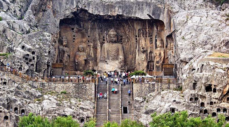 Las Grutas de Longmen: Un paseo magnifico rodeados de Buda